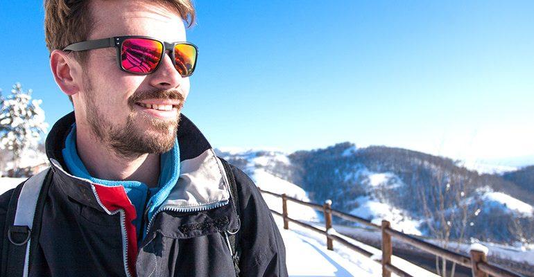Protección ocular adecuada durante la práctica de deportes de invierno