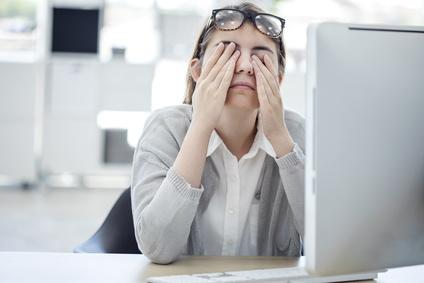 ¿Por qué nos cansa mirar el ordenador?